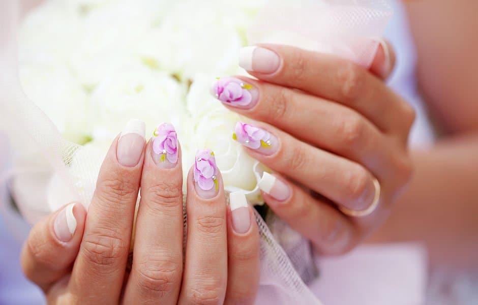 Auffüllung von Naildesign, Maniküre oder Pediküre bei Nagelstudio Beautynails in Göppingen